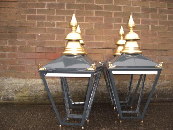 External Street Lanterns – Tower of London