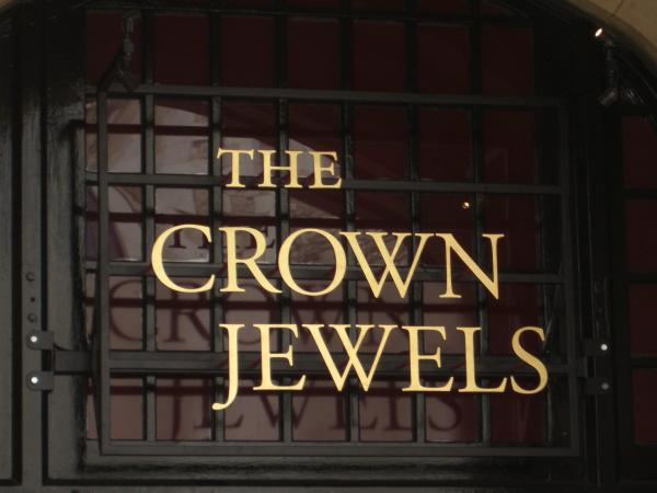 The Crown Jewels Lettering – Tower of London