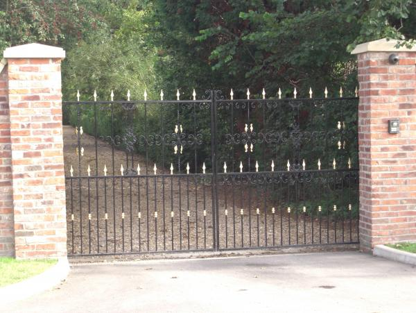 Goldleaf Gates – Goole